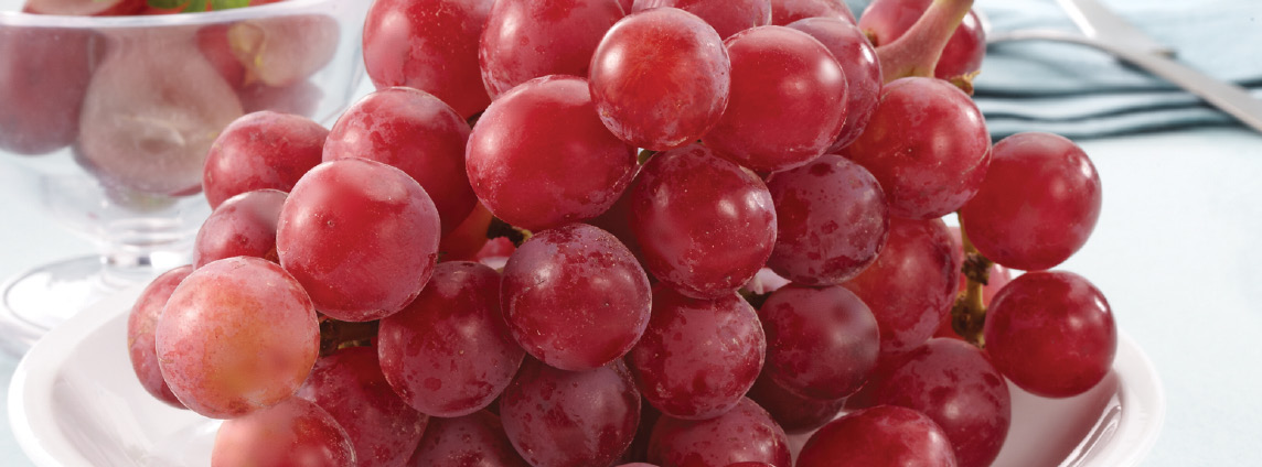 California Extra Large Seedless Red Grapes